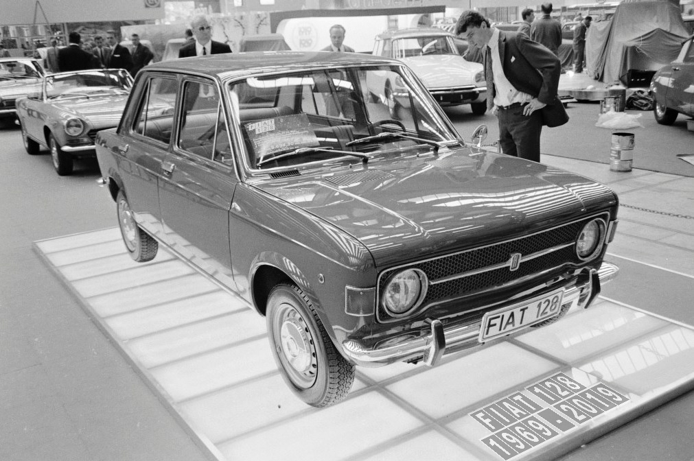 1969_09_11_FrankfurtMotorShow_1_vs.jpg